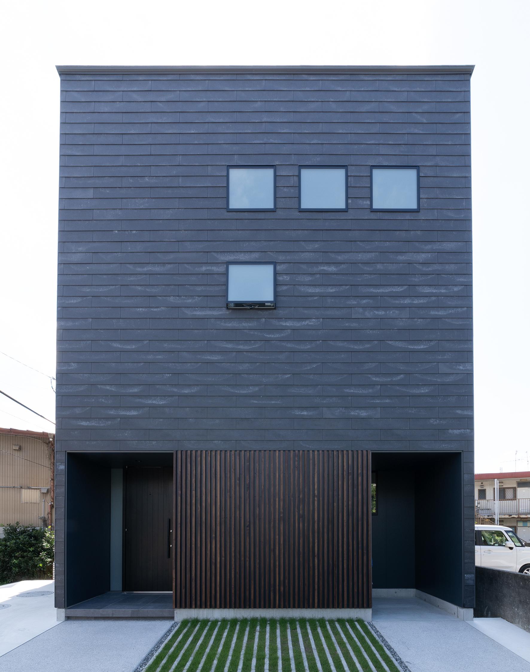 白と黒の家